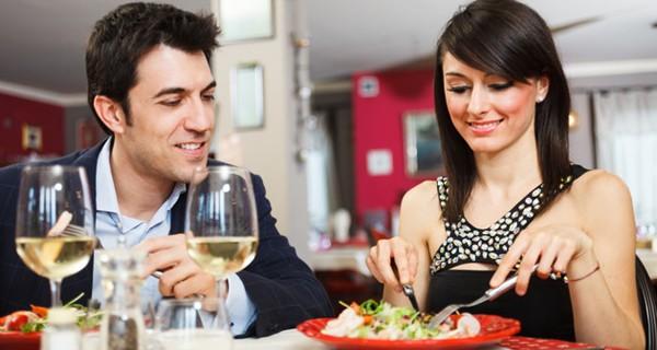 Qu comer en la primera cita consejos de pareja - Cita romantica en casa ...